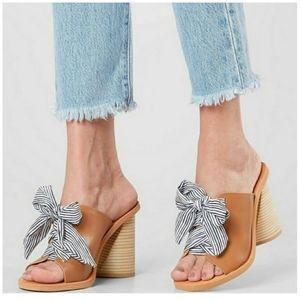 DOLCE VITA Amber Lace Up Block Heel Sandal…